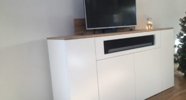 Kast met tv lift